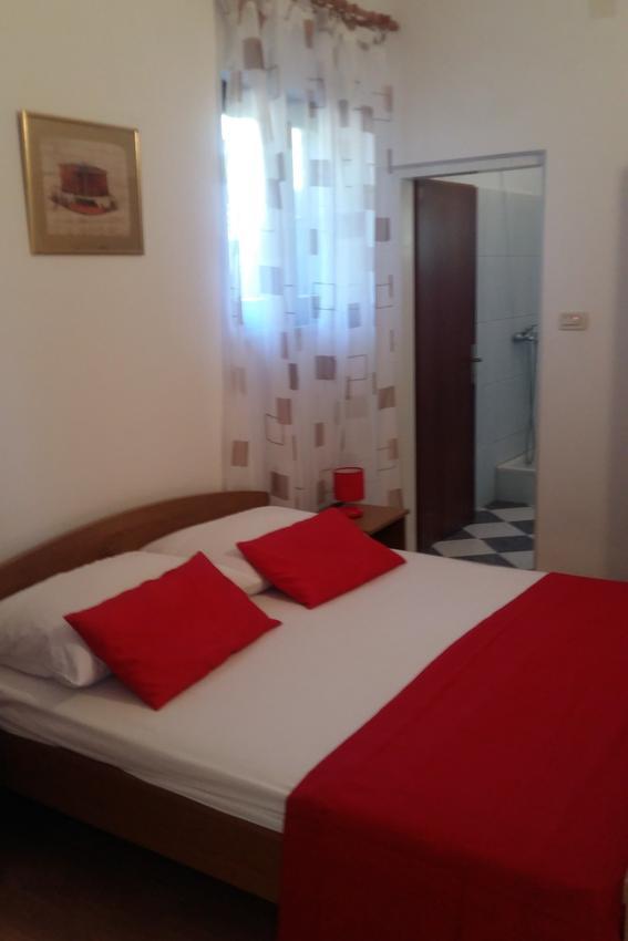 arbanija-apartment-bedroom-2-1-l