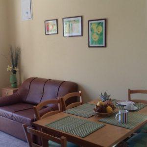 arbanija-apartment-dining-room-1-l